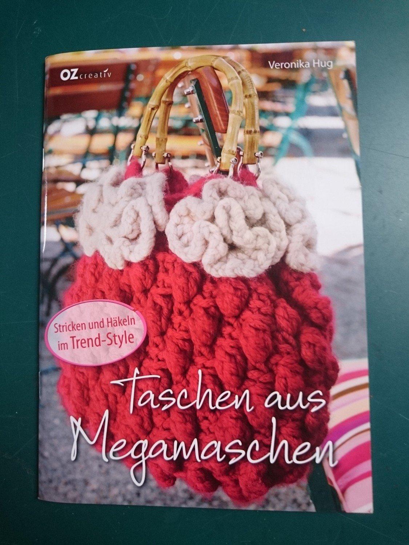 Taschen Aus Megamaschen Stricken Und Häkeln Im Trend Style