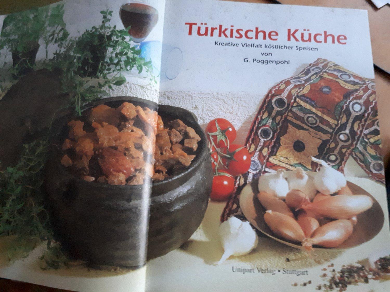 Outdoor Küche Aus Türkei : Frau rollt teig für gözleme fladenbrot aus anatolische küche